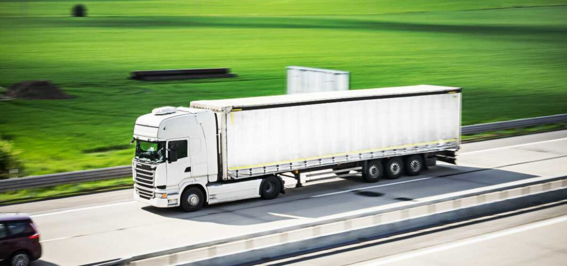 8 Factors to Consider When Transporting Goods in Business Logistics